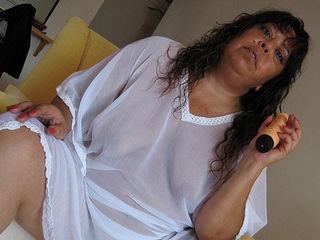 Mature Tere loves showing you her stuff