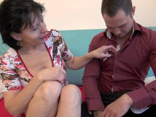 Busty mature woman feels young cock in a long time