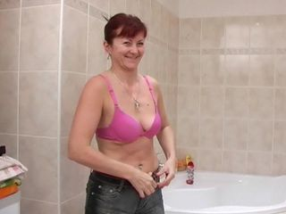 Passion in the shower with the slutty nude mom