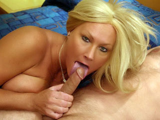 Hot MILF Roxy Sucking a Dick