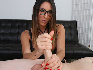 Give a girl like Dava Foxx a dick and shell know exactly how to milk it. Nothing is more evident when we hand her this dude large dick and she proceeds to milk him dry, focusing on his sensitive tip and shaft, she wont stop stroking until he cums crazy hard from her handjob skills.